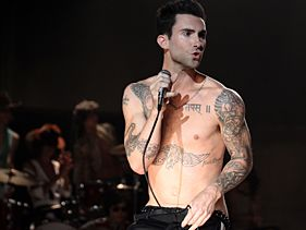 Maroon 5 Say Mick Endorses 'Moves Like Jagger' Video