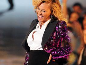 Beyonce's Baby Bump, Lady Gaga's Jo Calderone Rule 2011 VMAs