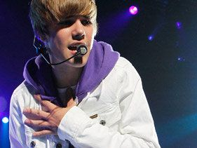 Justin Bieber To Play 'Dick Clark's New Year's Rockin' Eve'