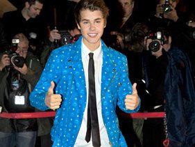 Justin Bieber, Rihanna Nab NRJ Awards