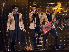 Bruno Mars Shines During Grammy Performance