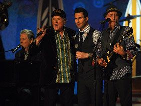 Maroon 5, Foster The People Rock Grammy Stage With The Beach Boys