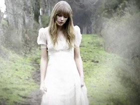 Taylor Swift Brings 'Hunger Games' Video