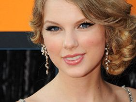 Taylor Swift, One Direction's Harry Styles Spark Romance Rumors