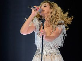Beyonce Serenades Michelle Obama, Cements Comeback In Atlantic City