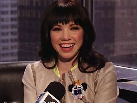 Carly Rae Jepsen Thinks 'Call Me Maybe' Viral Videos Are 'Rad'
