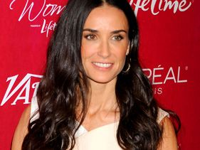 @MrsKutcher Is No More: Demi Moore Is @JustDemi
