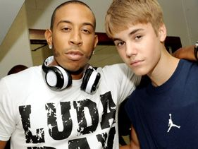 Justin Bieber Parties With Ludacris On 'All Around The World'