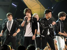 One Direction Recruit Help For Sophomore Album