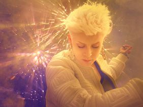 Robyn To Perform Debut Live Show In Singapore