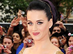 Katy Perry Gets Cheeky After Water Park Wardrobe Malfunction