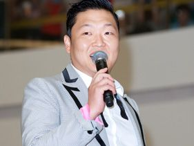 Justin Bieber's Manager Signed Psy 'To Be A Part Of History'