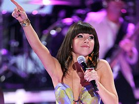 Carly Rae Jepsen Caps Off Explosive 2012 With Rising Star Award