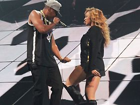 Jay-Z Gets Beyonce To Grace Stage For Barclays Center Finale