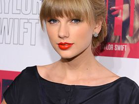 Taylor Swift 'Freaking Out' Over Red's Instant Success
