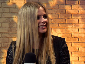Avril Lavigne Says Wedding Planning Is 'Full-Time Job'