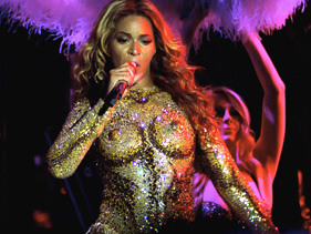 Beyonce Ignores Doctor's Orders With Antwerp Performance