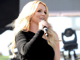 Britney Spears Opens Up About 'Giddy' Glee On 'Ooh La La'