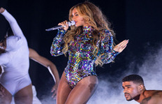 #BeyonceAlwaysOnBeat Proves Queen Bey Can Do No Wrong
