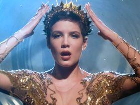 """Halsey Glitters In Gold In """"Castle"""" Video"""
