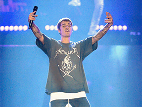 Justin Bieber Sued By Fans Because He Cancelled Meet And Greets