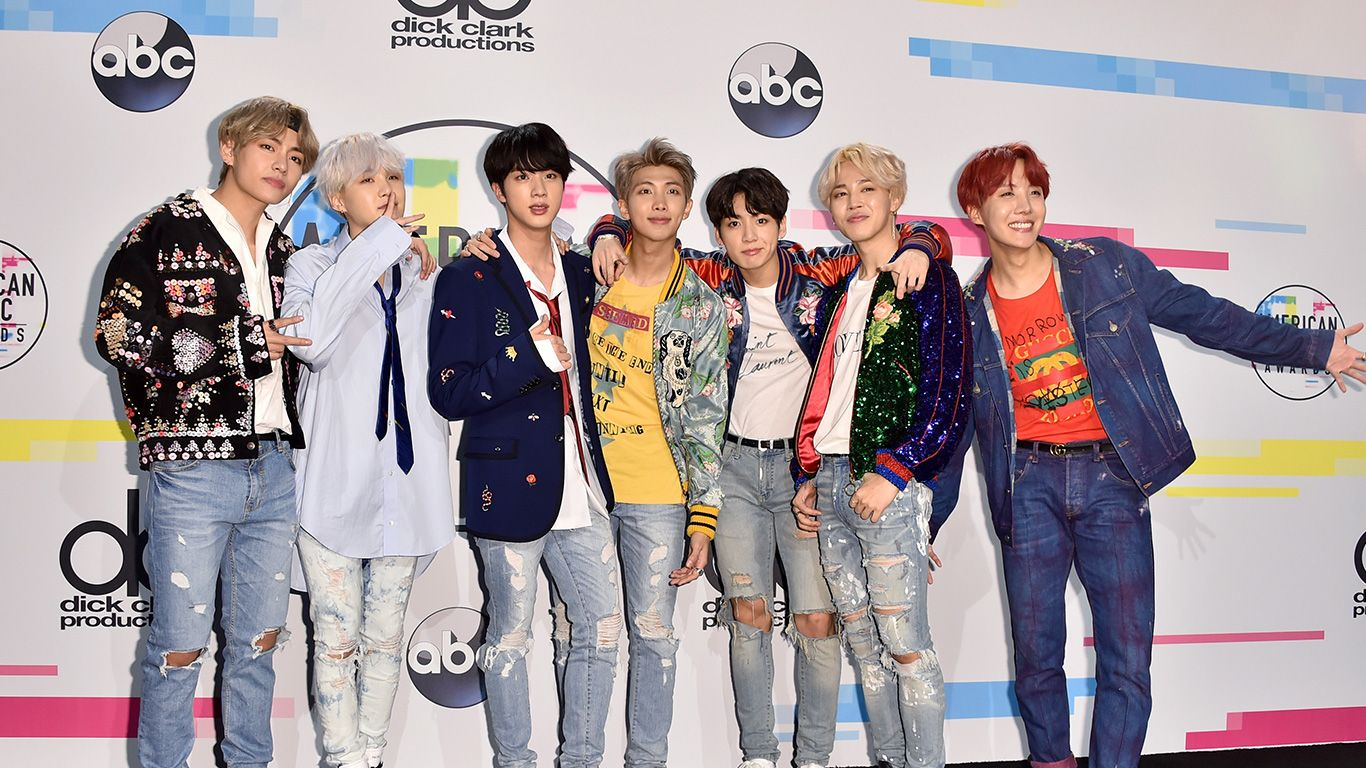 Ama 2017 Performers >> ARMYs are flipping out at BTS's epic performance at the American Music Awards 2017!   MTV Asia