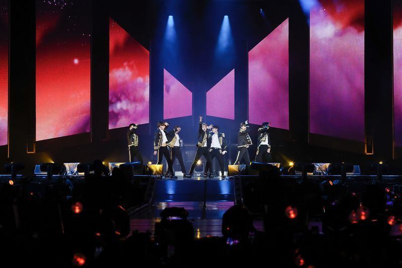 The 10 Most Beautiful Moments Of Bts Love Yourself Tour Mtv Asia